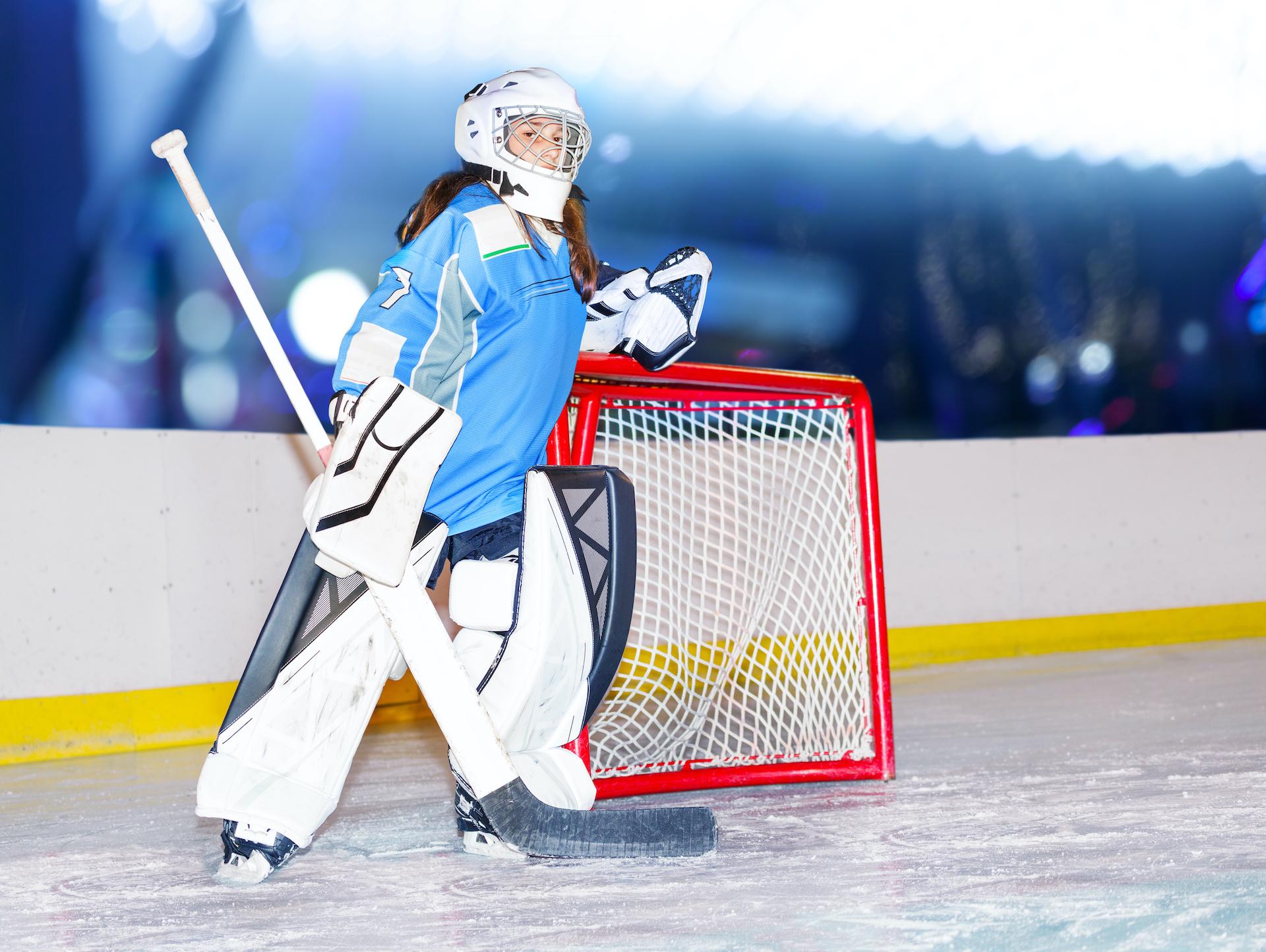 girl hockey goalie